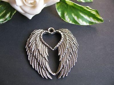 Anhänger Flügel mit Herz in silber 4,4 cm, Schmuck mit Perlen basteln, Schwingen