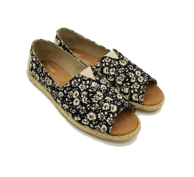 c97daf8642d5 TOM S ALPARGATA OPEN TOE BLACK TEXTILE FLORAL.STYLE  10007590 .NEW IN BOX