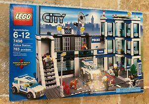 LEGO-City-Police-Station-7498