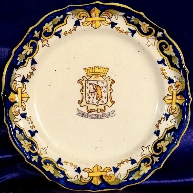 Rare ca.1900 Rouen Decor Fleurs de Lis Armorial Plate Desvres n Quimper