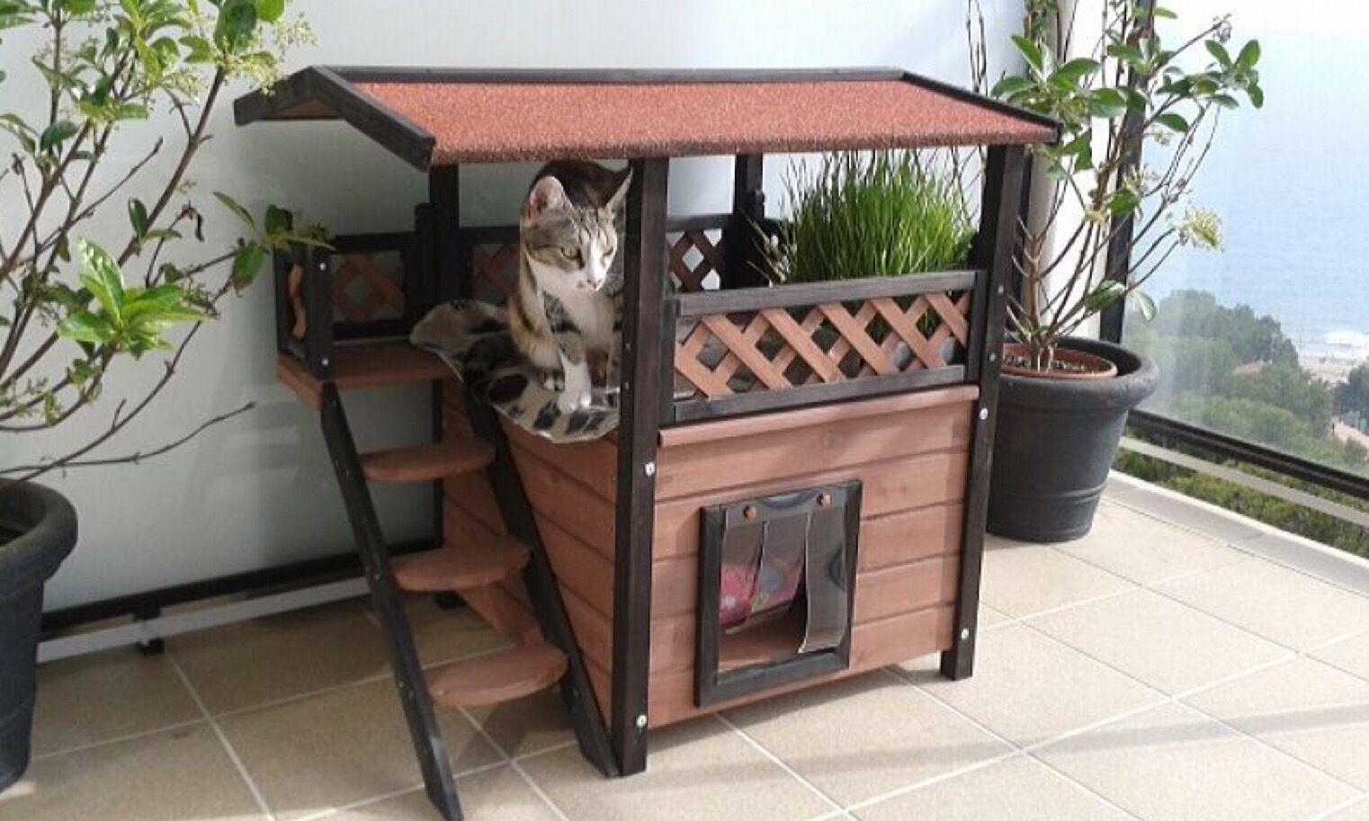 Outdoor Pet Den Cat Garden House Wood Winter Shelter Small Dog Kennel Rabbit
