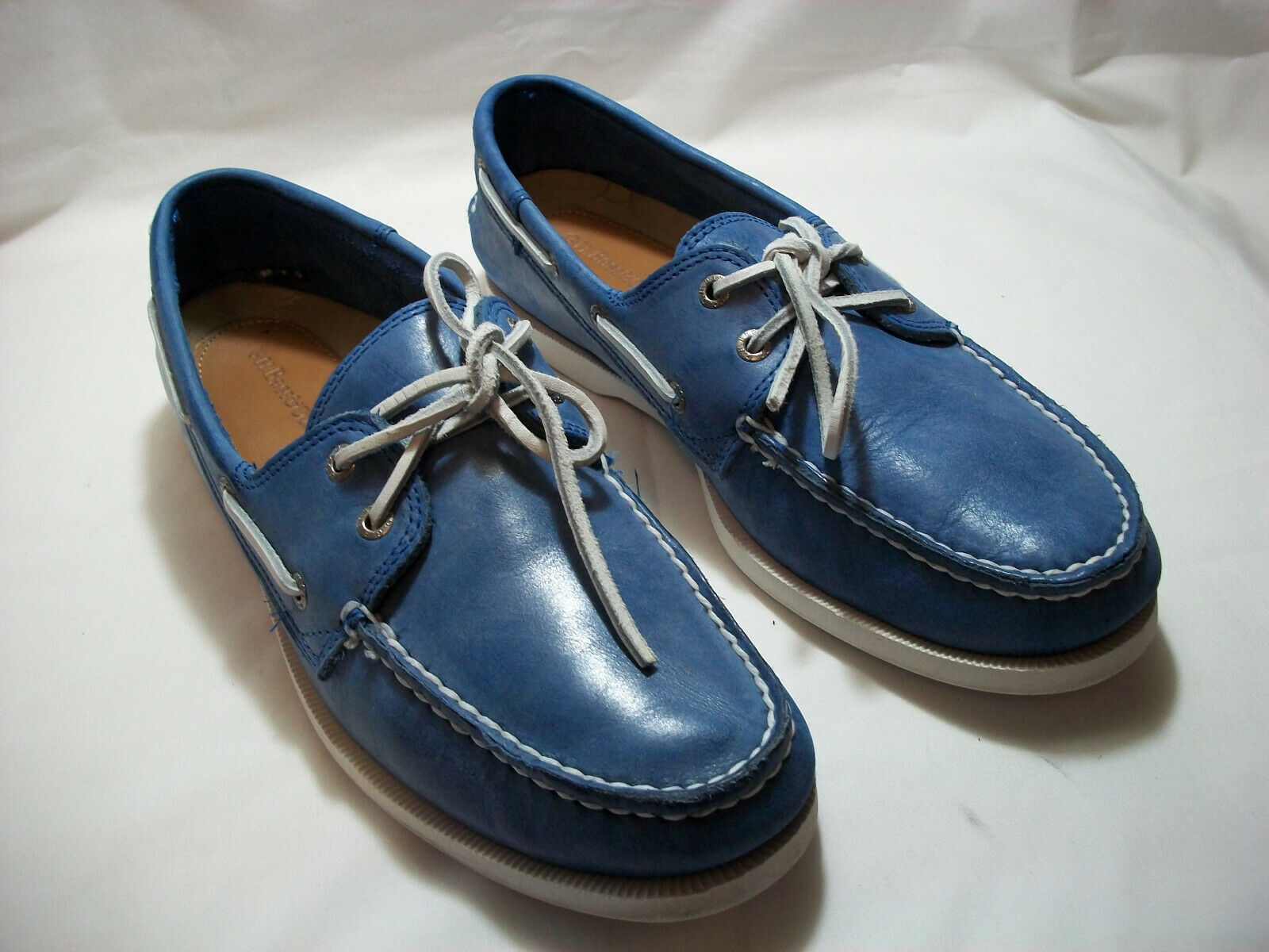 G.H. BASS & CO. HAMPTON blueE LEATHER BOAT SHOES  SIZE 10.5 M