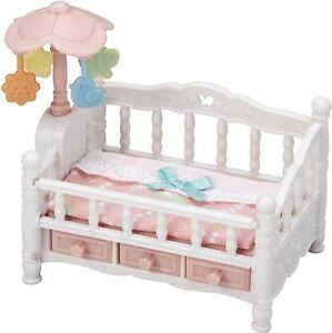 SYLVANIAN FAMILIES - CRIB WITH MOBILE PLAYSETS KIDS TOY