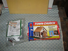 HO SCALE LIFE-LIKE TOWN CHURCH KIT! ONLY 7.00!