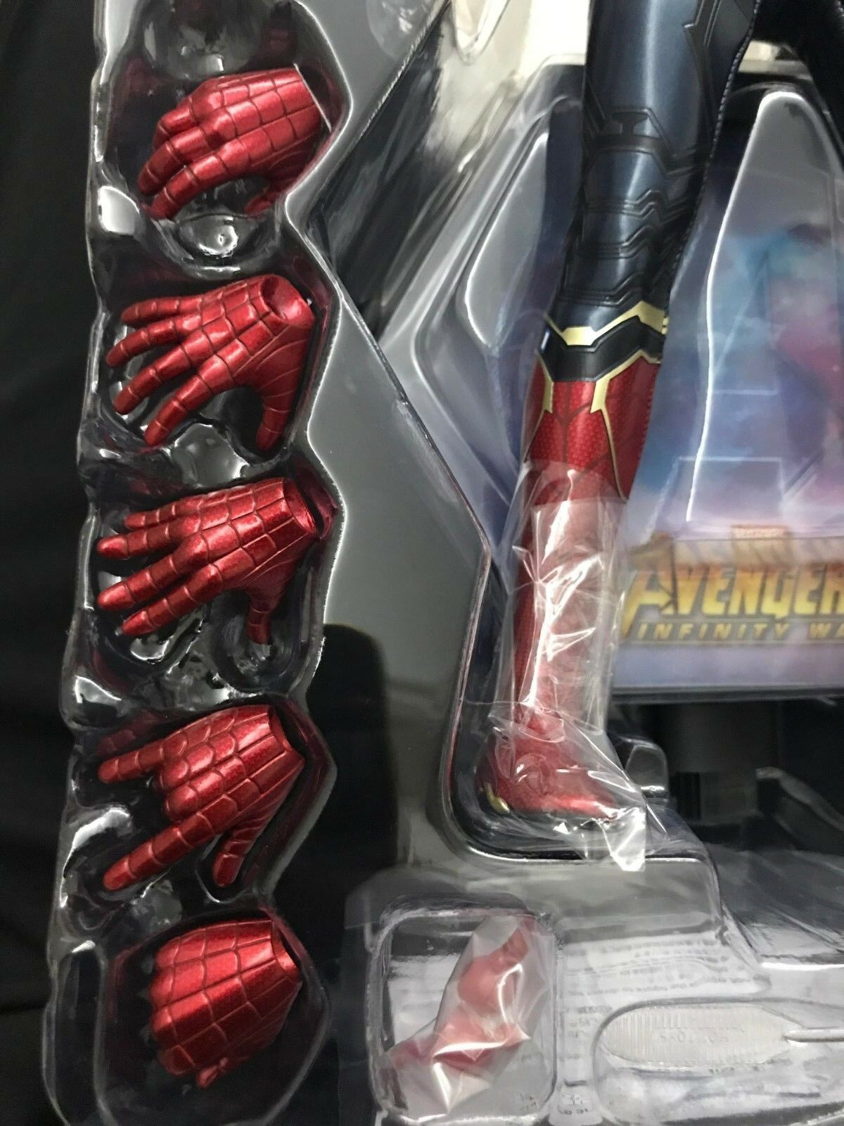 Hot toys Avengers 3 Spider-Man MMS482 Ironspider -1 6th scale hands Set