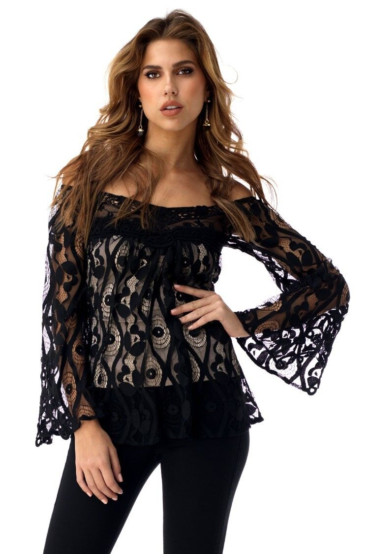 Sky Clothing Brand NWT  Off Shoulder Top schwarz Eyelet Lace Knit Nude Lining