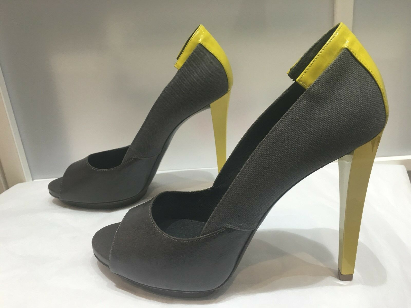 100% authentic Balenciaga Balenciaga Balenciaga open toe platform heels, size 40 b92f8a