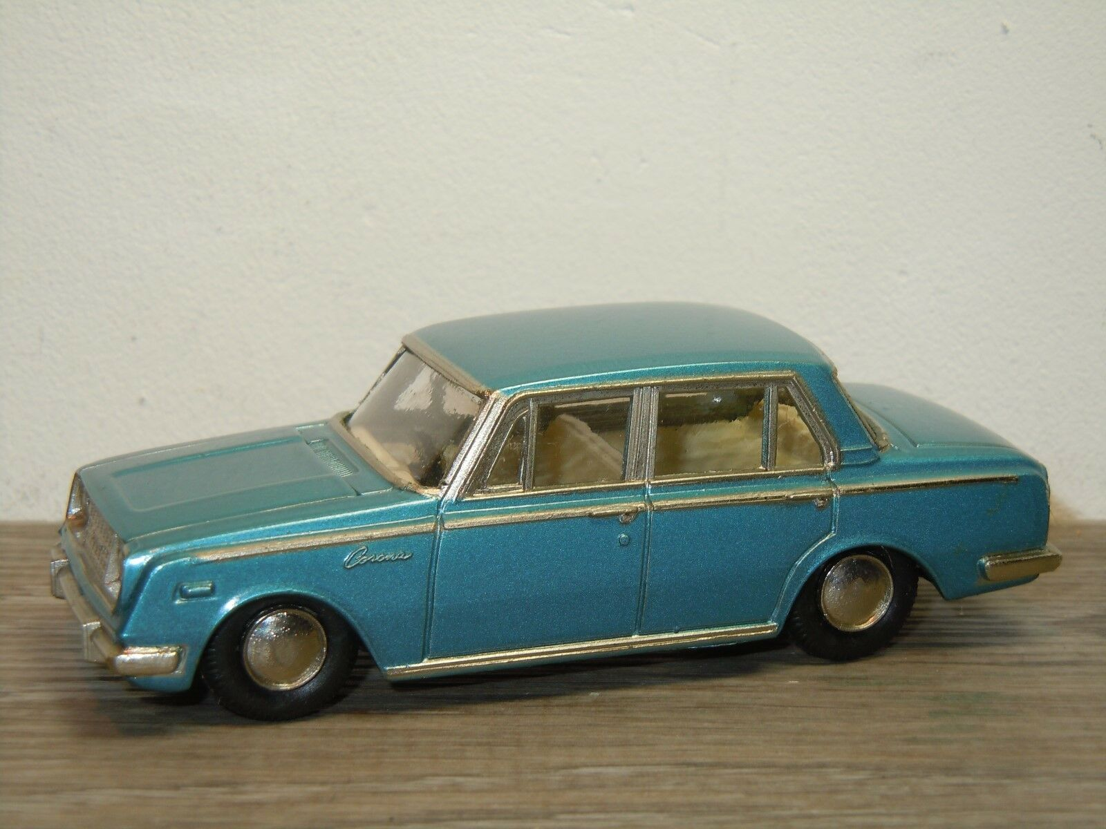 Toyopet Corona Deluxe - ATC Model Pet 27 Japan *35911