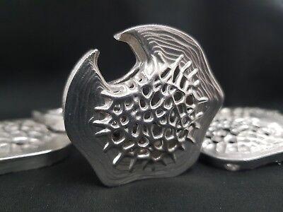 Altered Carbon Pila Corticale In Metallo Peltro Cosplay Replica Glow In Dark Regalo Nuovo-mostra Il Titolo Originale Aspetto Estetico