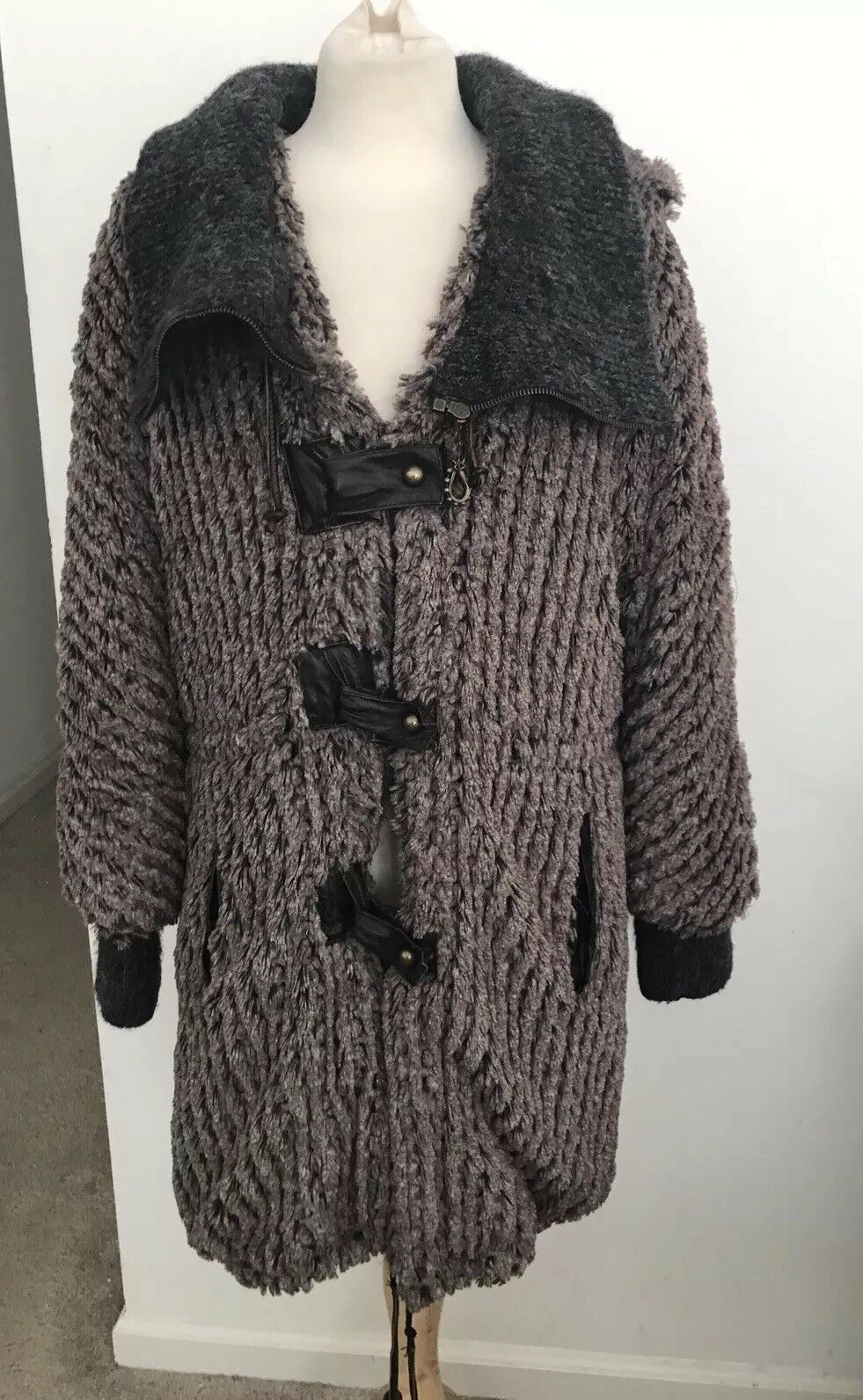 Save The Queen Made In  Plush Faux Fur Coat Leather Detail Sz M