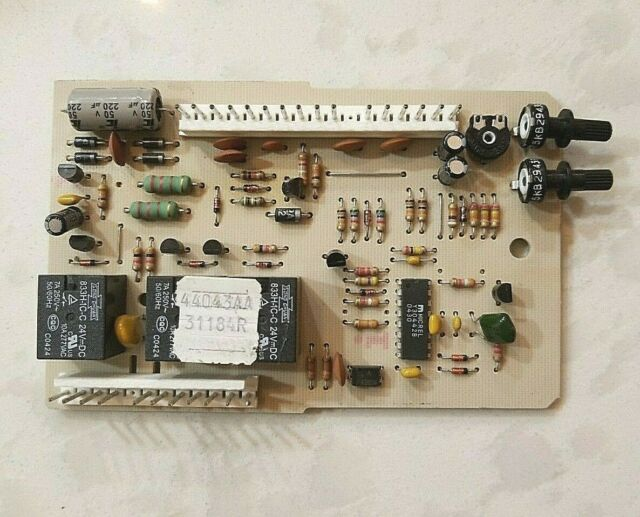 Genie 30901S.S AC Screw Drive Garage Door Opener Sequencer for Genie Operators