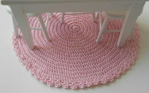 "Miniature Dollhouse Hand Crocheted Large 5.5/"" Rug ~ Light Pink"
