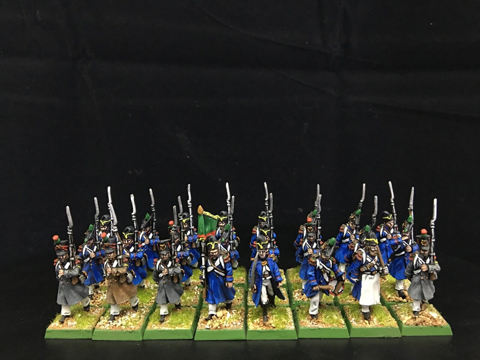 28mm Napoleonic War DPS painted French Line Infantry with great coat GH790