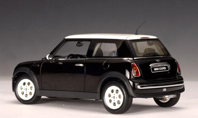2001 MINI COOPER Noir Coupé par AUTOART  74823 1 18 New in Box vente spéciale