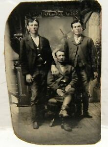 CIVIL-WAR-TEXAS-CONFEDERATE-UNIFORM-SOLDIERS-ARMED-1-6-PLATE-TINTYPE-PHOTOGRAPH