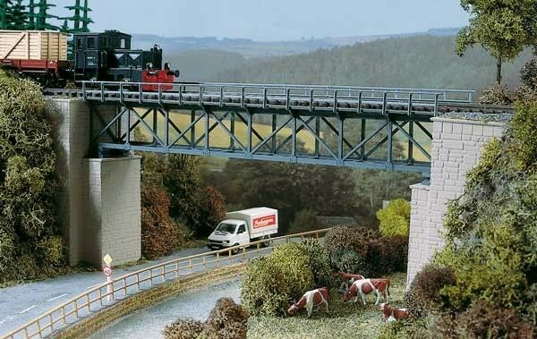 11364 Auhagen HO Kit of a Half-timbered bridge - NEW