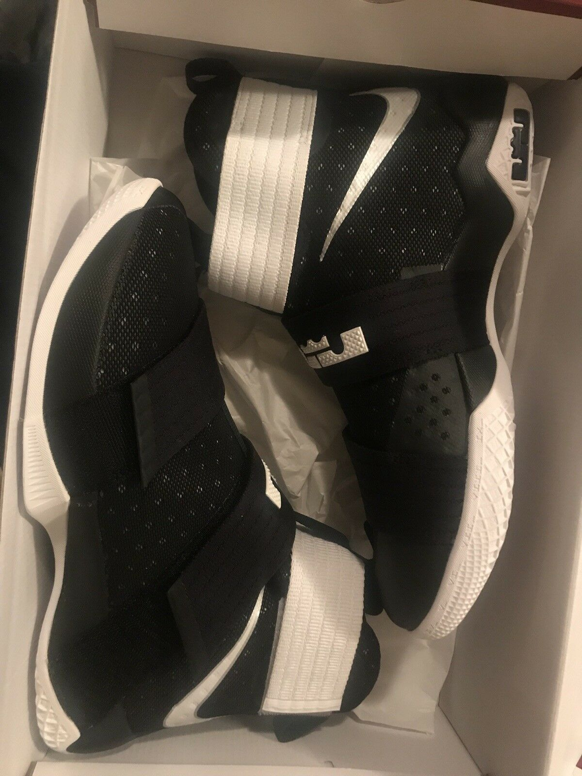 lebron shoes size 9  Cheap and fashionable