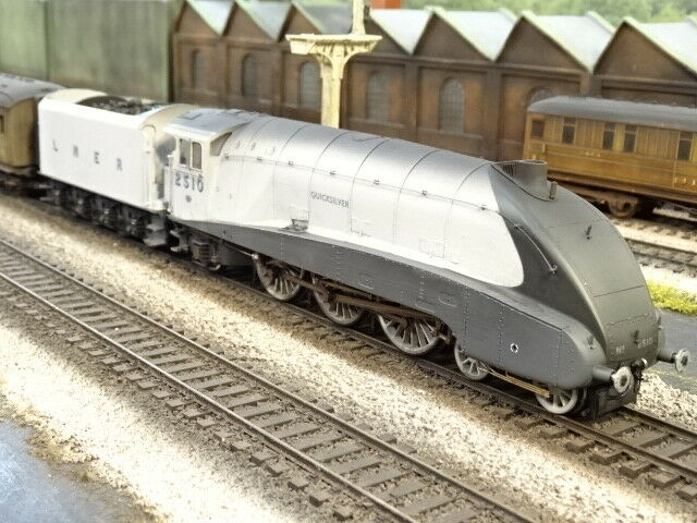 HORNBY LNER A4 2510 QUICKplata (LINESIDE WEATHErojo) R3307