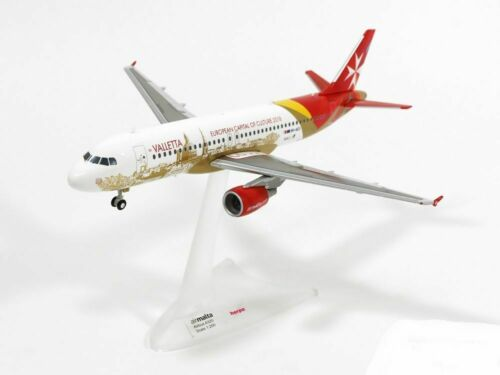 Airplane Air Malta Airbus A320 Valletta Desktop Model Aircraft