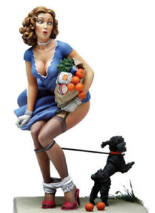 1-22-80mm-Resin-Figure-Model-Kit-Poker-Sexy-Girl-with-a-Dog-Miniature-Unpainted