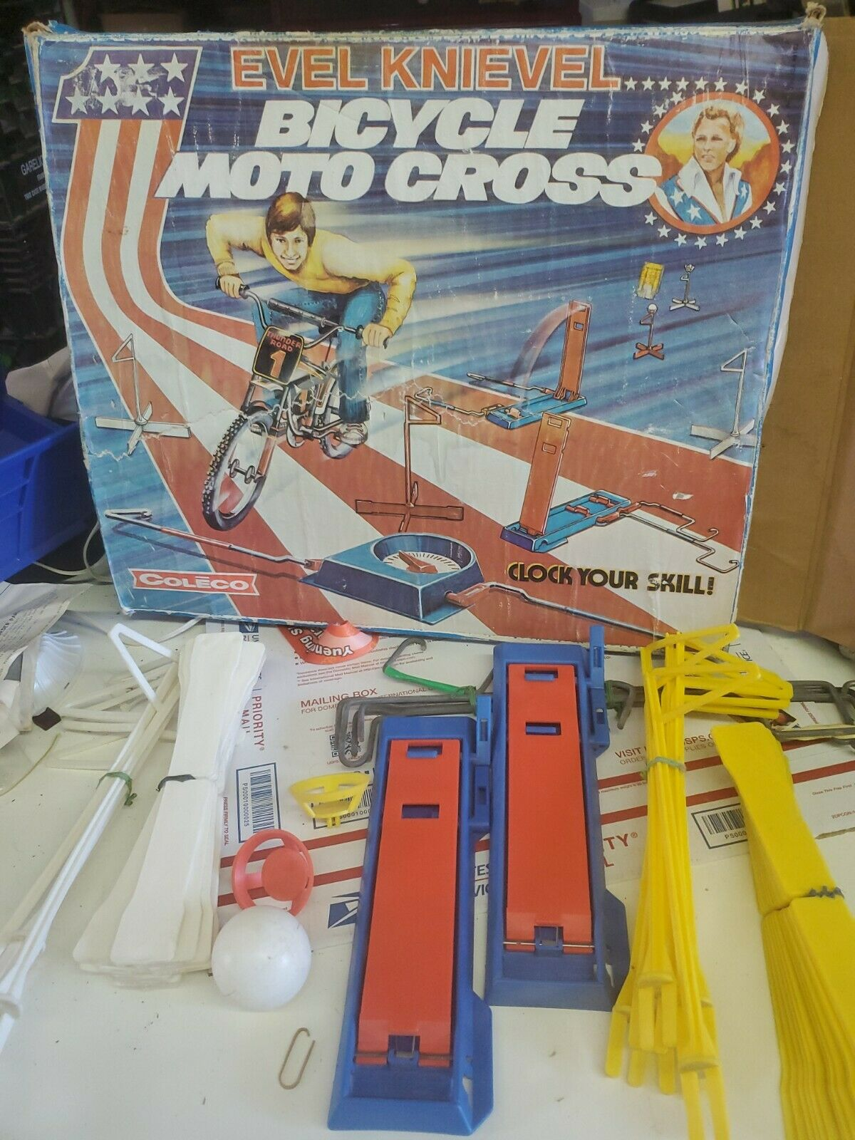 Vintage 1975 Coleco Evel Knievel Bicycle Moto Cross Game Rare box manual