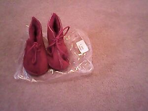 New red baby booties size 2 - <span itemprop='availableAtOrFrom'>Bridgwater, United Kingdom</span> - New red baby booties size 2 - <span itemprop='availableAtOrFrom'>Bridgwater, United Kingdom</span>