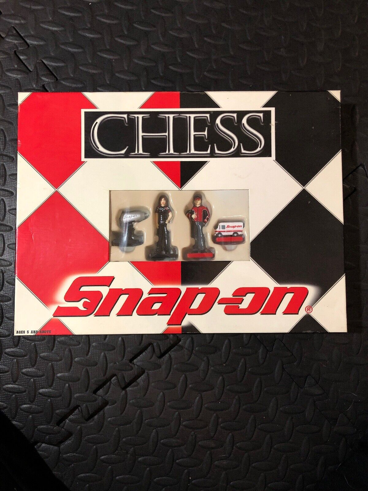 Snap On Tools Chess Set 2002 in Box SSX2353 USAOPOLY Collectible