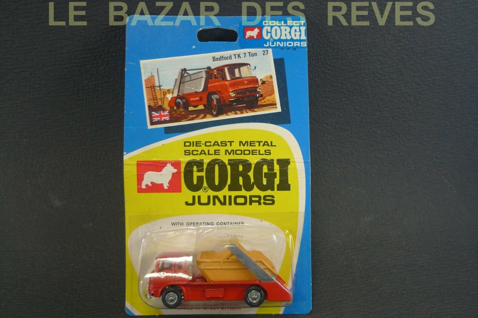 CORGI JUNIOR GB. BEDFORD TK benne.  Blister.