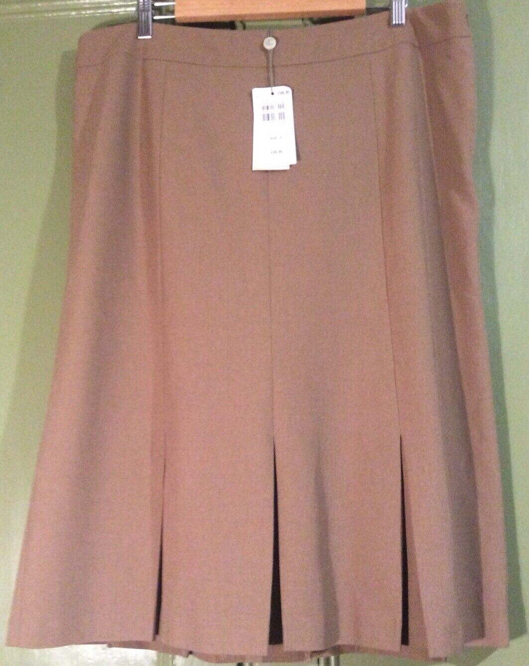 Country Casuals BNWT Dark Sand Beige Classic Skirt Pleated Lined