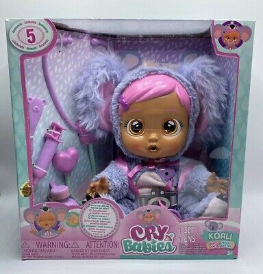 Brand New Cry Babies Koali Gets Sick /& Feels Better Includes 5 Accessories Age3+