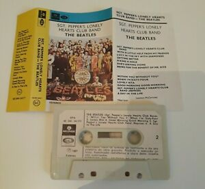 THE BEATLES SGT PEPPERS LONELY HEARTS CLUB BAND CASSETTE TAPE 1974 PAPER LABEL