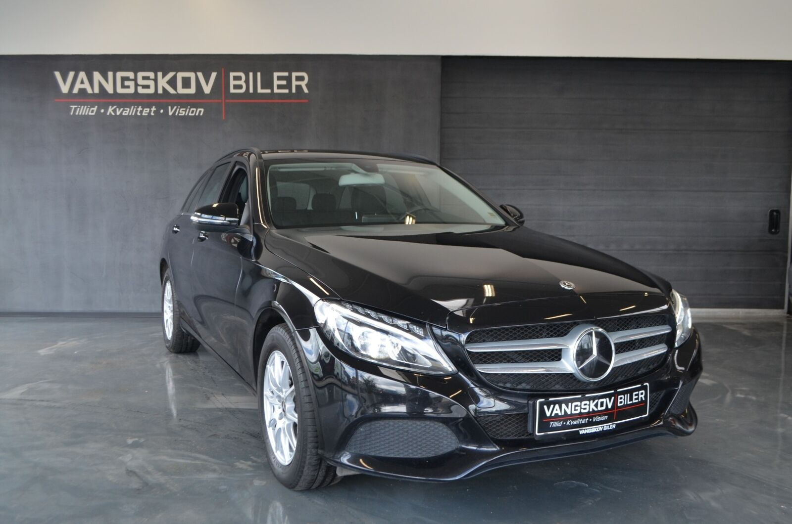 Mercedes C220 d 2,2 Business stc. aut. 5d - 314.895 kr.