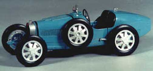 Bugatti 35B 1927 model racing car kit - white metal model to assemble and paint
