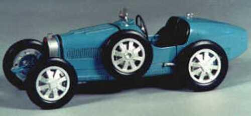 Bugatti 35B 1927 model racing car kit - white metal model to assemble and paint