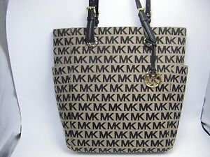 NWT Michael Kors Jet Set Black Beige Signature MK North South Large ... e16b10e34bd86