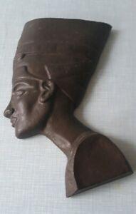 Nofretete-bronze-farbig-28-cm-Gusseisen-zum-Aufhaengen-384