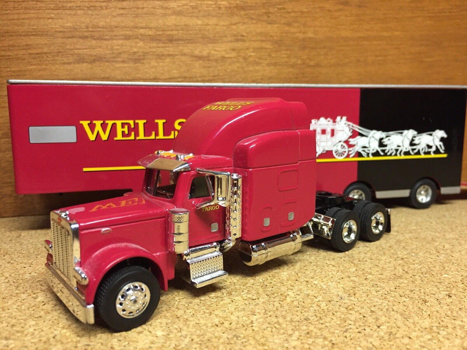 Edición limitada de Wells Fargo  PETERBUILT 379 Cab  con Remolque Camión de juguete Diecast