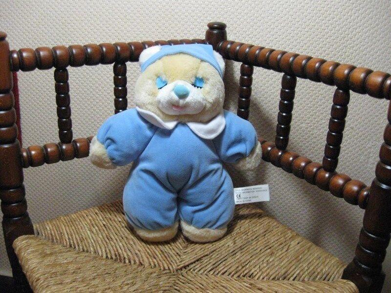 Family Shop Gouda Netherlands Sleeping Bedtime Bear 30 CM