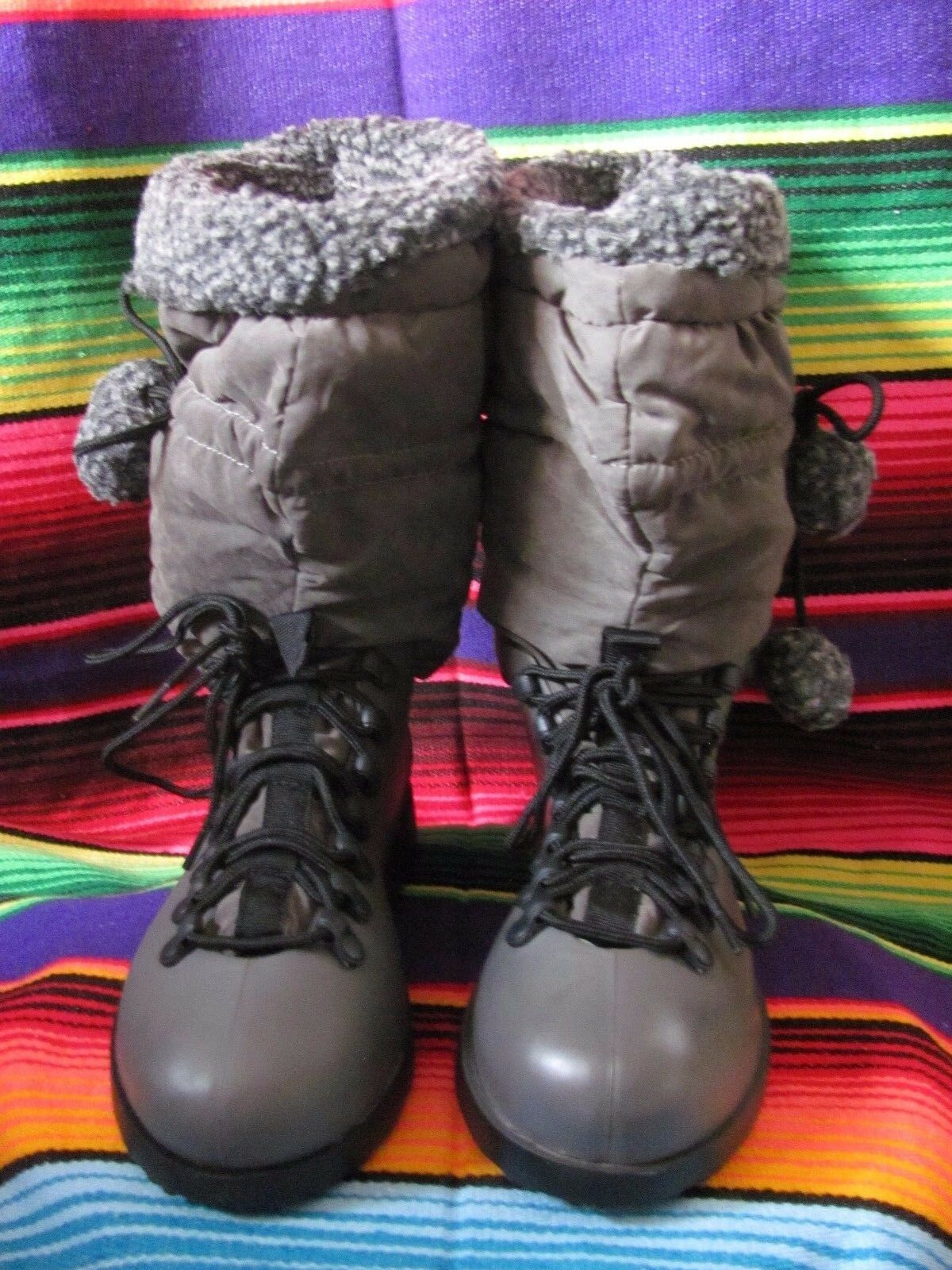 HOT CUTIE Winter Boots Brand New in Box Size 9