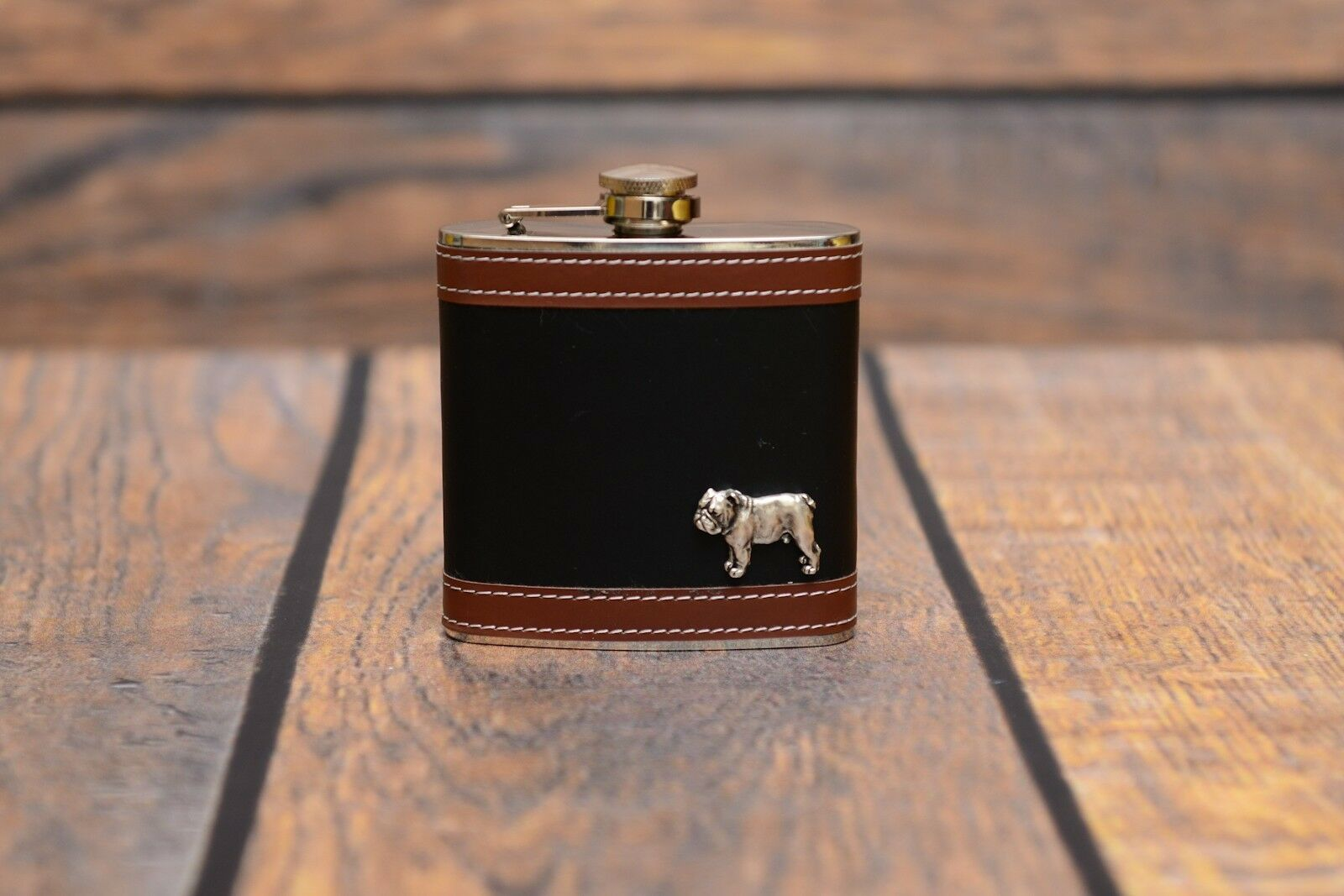 liquidazione English Bulldog - flask with image of a a a dog, high quality, Art Dog  sconto online