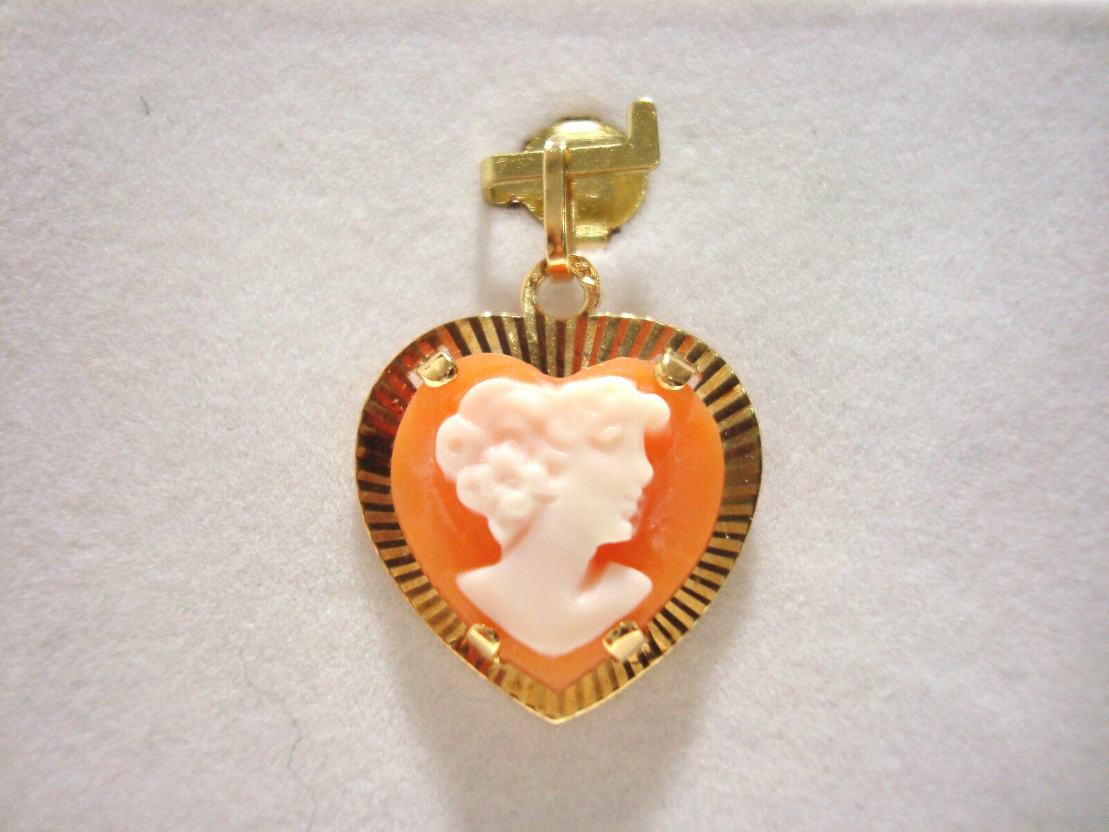 Pendant Heart Cameo gold Yellow 18k 750 000 1.40 Gr 16 0 5 8in D16283