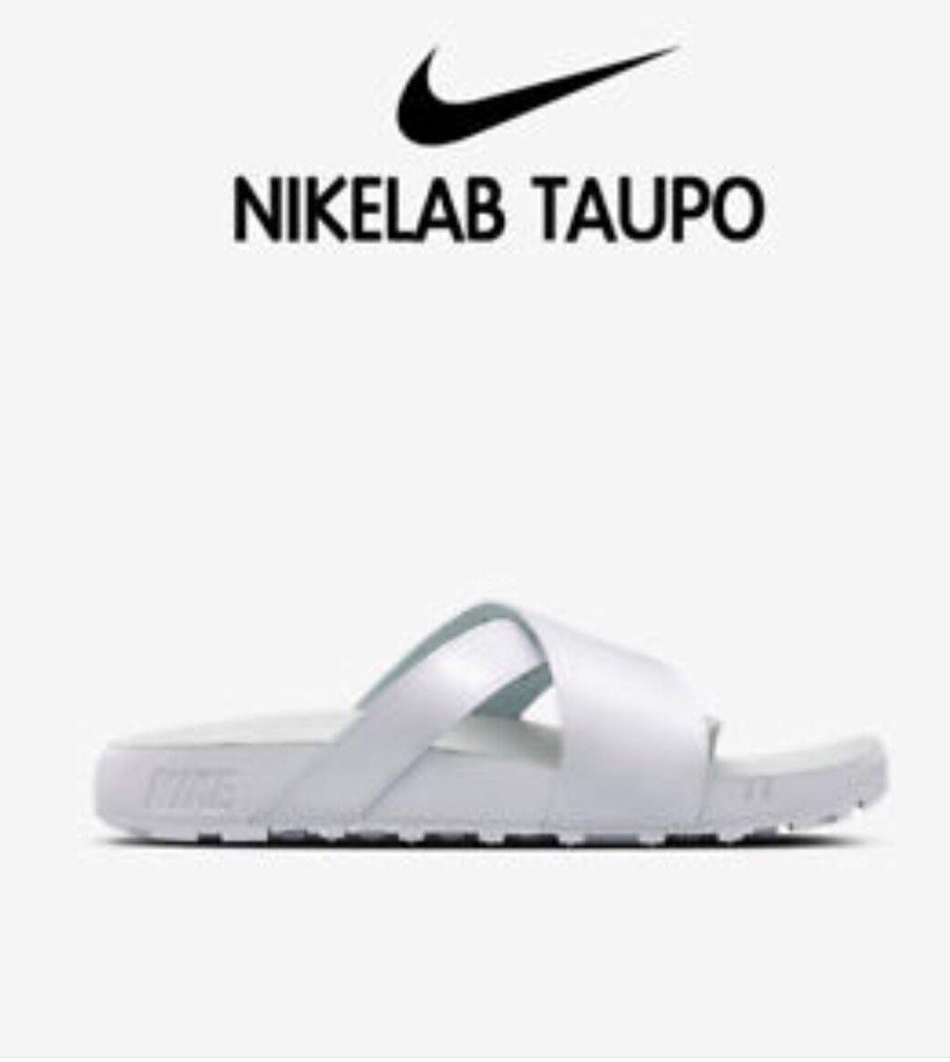 NikeLab Taupo Premium Patent Leder Sliders Sandales 849756-100 UK9/EU44/US10