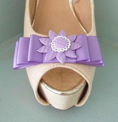2 Clips Para Zapatos Arco Lila con centro de flores de Estilo de Ganchillo