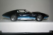 AUTOart 1968 Chevrolet Corvette Manta Ray 1:18 Diecast Car Item No. 71041