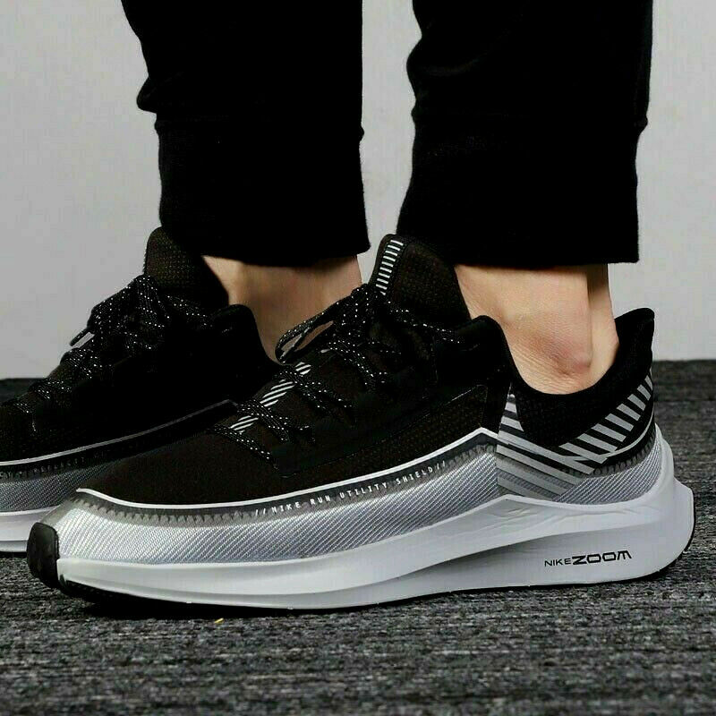 Nike Zoom Winflo 6 Shield Running Shoes in Black Reflect Silver ...