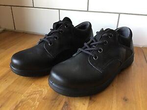 School Shoes Size UK 2.5 Eu35 No Box