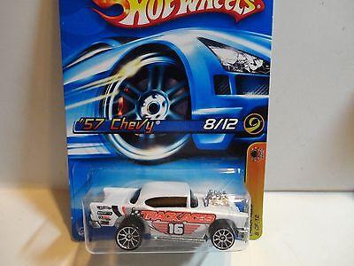 2006 Hot Wheels #118 White '57 Chevy Bel Air w/10 Spoke Wheels
