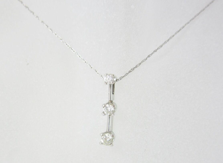 LADIES 14K WHITE gold THREE DIAMOND SLIDE PENDANT W  20.25  CHAIN 0.21CT 1.5G