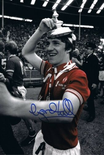 Signed Gordon Hill Manchester United 1977 Cup Final + photo proof