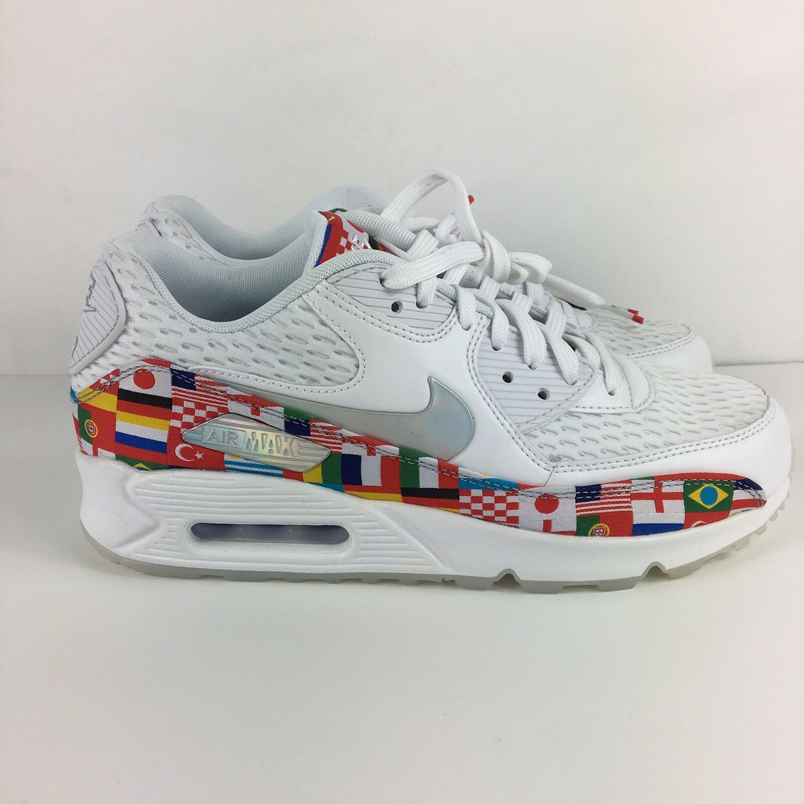 Nike Air Max 90 FIFA World Cup International Flag Size 8 In Men's 9.5 in Women's